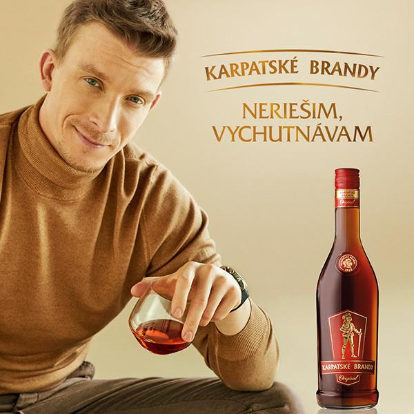 Originálne momenty vychutnané lahodnými dúškami. Také je spojenie s Karpatským brandy.